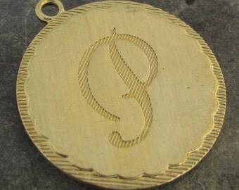 Large Round Brass Letter P Initial Charms for Bracelets or Pendants 1473P - 2 Pieces