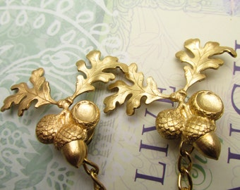 Acorn Sweater clips Cardigan clips collar clips Gold sweater guard acorns cardigan clips