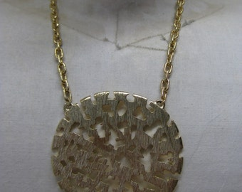 Chunky Modern Gold Necklace Medallion Vintage