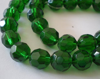 20pcs - 8mm Faceted Green Emerald Glass beads