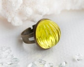 Glimpse of Sun - vintage cabochon ring