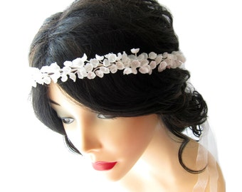 Small vintage flower head wreath, White bridal head piece, Wedding accessory, Vintage flower circlet