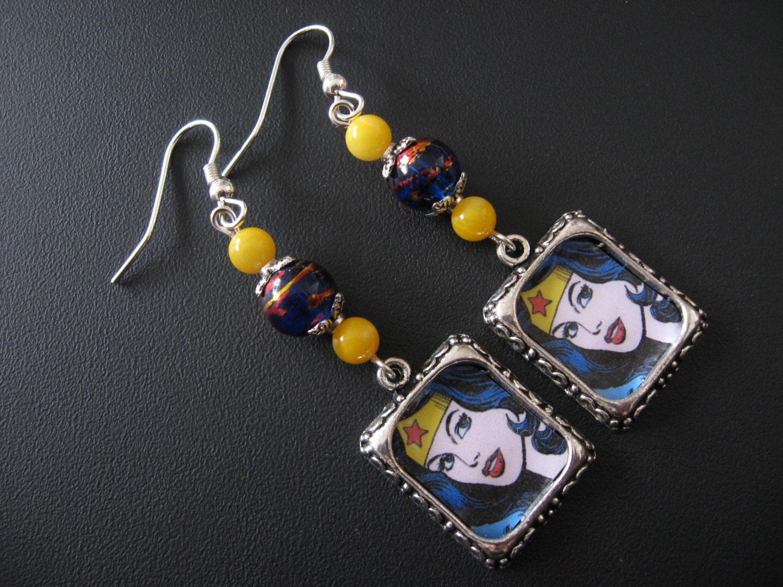 wonder woman jewelry comic book jewelry super hero earrings. Black Bedroom Furniture Sets. Home Design Ideas