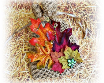 Fall leaves wedding, rustic burlap ring pouch.  Burlap ring bearer bag.