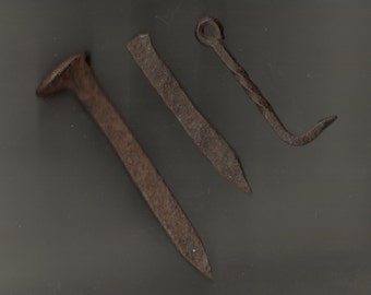 ANTIQUE Wrought IRON Hardware Latch HOOK Hand Forged Beam Spike Nails