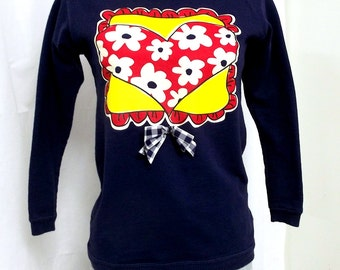 Heart with Daisies and Bow Vintage Sweatshirt - size 14 Girls - dark blue