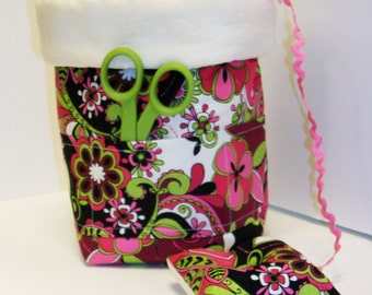 Scrap Bag with Pockets and Attached Pincushion pdf Sewing Pattern