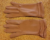 Beautiful Cocoa Brown Fabric Wrist Length Gloves Size approx. 7