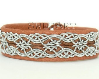 SwedArt B17 Snowflake Sami Lapland Reindeer Leather Bracelet Pewter and Silver Braids Antler Button Tan 1/2 Inch Wide XX-SMALL