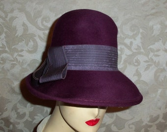 VIntage 40s Purple Grape Peachfelt Hat by Henry Pollak New York