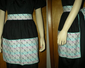 Vintage 1950s Apron Space Age Hostess Mid Century Colors Lots of Pockets