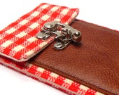 Smartphone wallet - red and white gingham
