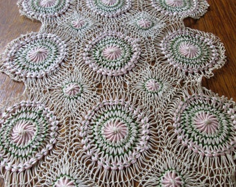 RUNAWAY Crocheted Table Runner / Made in Portugal / Pink Green and Ecru / Hand Crafted / Vintage