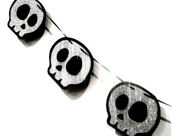 Silver Skull Banner, Silver Glitter Skull Halloween Decor, Silver Skull Garland, Silver Glitter Skull Decor, Halloween Garland