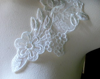 Lace Applique SINGLE in Ivory Embroidered Lace  PR 204