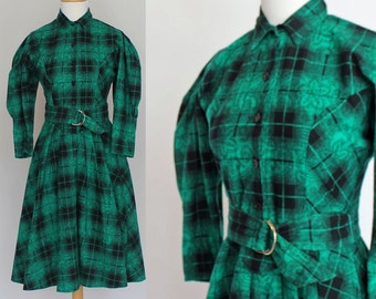 80's Country Prairie Dress with Belt / Green Plaid Flannel / Flared Skirt / XSmall