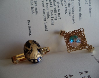 2 Vintage Scarf Clips