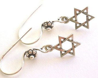 Star of David earrings, antiqued silver pewter star of david, silver Judaica earrings, Hanukkah earrings, gift for Hanukkah, Jewish gift