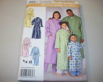 New Simplicity Family Robes Pattern, 1562 (Free US Shipping)