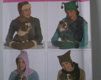 Simplicity 4780 Dog Clothing Clothes Pattern Elaine Heigl UNCUT