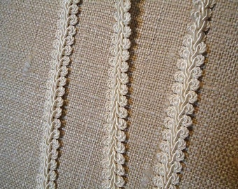 T-165 DISCOUNT CONSO Upholstery Silky Guimp - Ivory - Quality Remnant