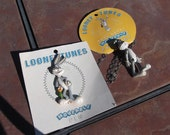 Looney Tunes Bugs Bunny Moveable Pin and Pendant