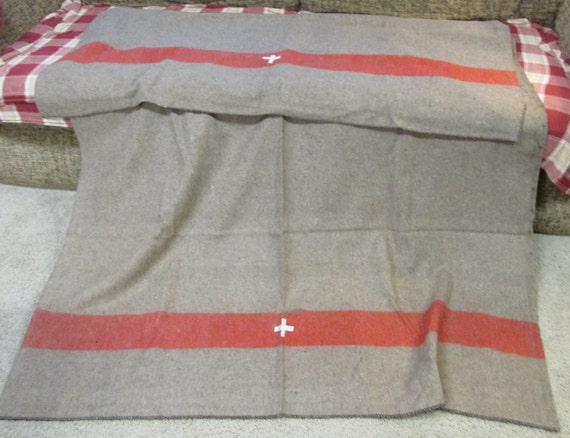 Us Army Surplus >> Wool Swiss style army surplus blanket grey brown with red