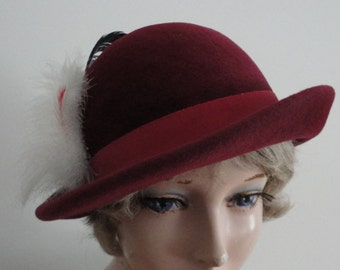 Vintage Burgundy Felt/Feathers Women Hat 70s Small 21 1/4 inches
