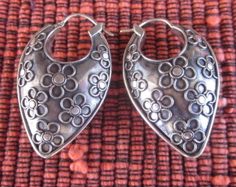 Bali Silver Flower Hoop Earrings / 1.25 inch long / sterling silver / Balinese Handmade Jewelry