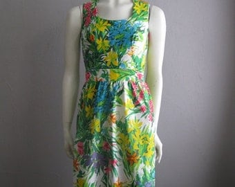 70s FLORAL POP print dress size small