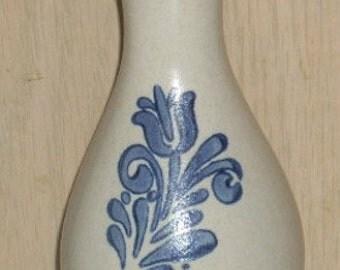 Pfaltzgraff Yorktowne USA Stoneware Bud Vase