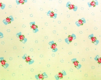 Yuwa Bows with Rose Centers on  Cream Cotton Fabric AT816879F