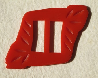 """25 % Off Sale 1940s Bakelite Buckle Tomato Soup Red 3 3/4"""" Long Lightly Carved"""