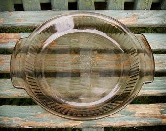 Vintage Anchor Hocking Pie Plate / 1970s Light Brown Glass Ribbed Pie Plate / 1970s Anchor Hocking Handled Amber Glass 9 Inch Pie Dish