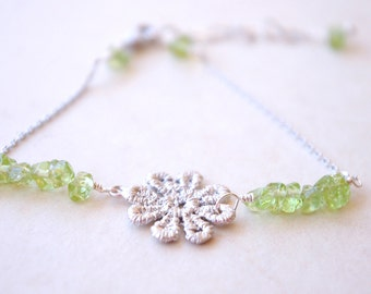Wire Wrapped Lace Flower Bracelet, Daisy Connector and Peridot Gemstone, August Birthstone Bracelet, Flower Bracelet Silver, Gifts For Girls