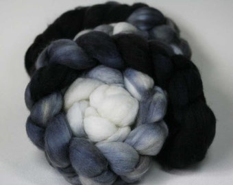 Graydient - hand dyed Superwash BFL - 4 oz
