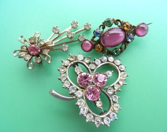 RARE 1940s  3 antique Victorian brooches, gorgeous collection for a touch of elegant - mix vintage brooches/Pendant -- art.313/3-