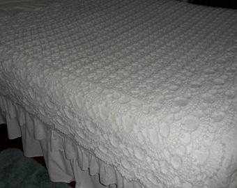 Crocheted  Afghan(80inX60in) - Blanket -  Coverlet  - Throw - Bedspread - Coverlet - Wedding Gift  XLarge  ''SHELLS GALORE''   in White