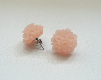 Frosted Peach Resin 18 mm Mum Stud Earrings
