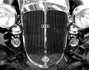 B&W vintage car photo 8