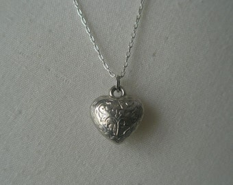 Vintage Silver Plated Etched Heart Pendant Necklace