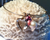 Rustic Romance Bangle, Gold Adjustable Bangle with Vintage Crystal Heart, Shades of Pink Fuchsia Vintage Charm, Natural Baroque Pearl Charm