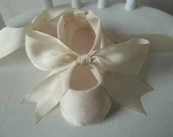 Christening Shoes . Ivory Silk Baby Girl Shoes . Slippers Booties Flats . Infant Ballet Shoes . Baby Ballerina