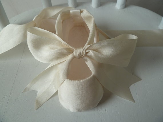 Christening Shoes . Ivory Silk Baby Girl Shoes . Slippers