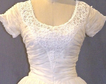 50s Wedding Dress, Vintage 1950s Wedding Dress, Ivory Organza and Lace Dress, Small