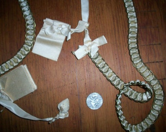 Incredible antique châtelaine ivory silk and metal