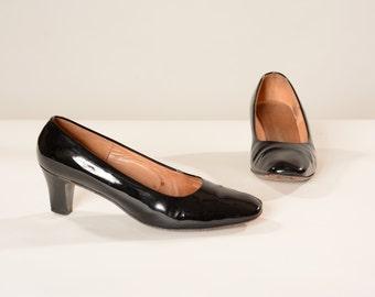 Vintage 1960s I. Magnin Shoes - Black Patent Leather High Heels - Size 9