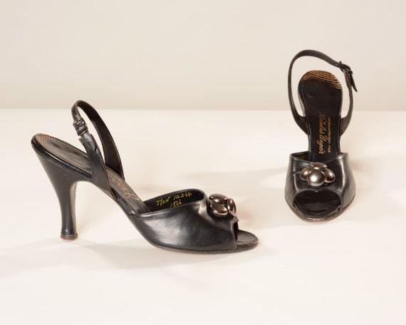 Vintage 1950s Shoes - Peep Toe Black Leather Button - VLV Fashions Size 7