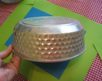 Aluminum Pan / Jello Mold with Hammered Sides, Congealed Salad, Aspic, Decorative, italy
