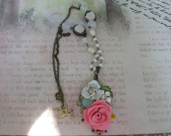 Flowering Beauty.vintage and handsculpted pendant necklace